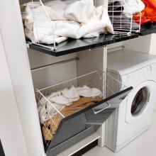 Wäschesäule zwei Türen mit zwei Wäschekorb und Klappe Brava
