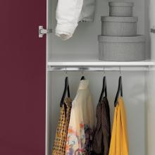 Wäschesäule mit zwei Türen und zwei Kleiderbügeln Colf